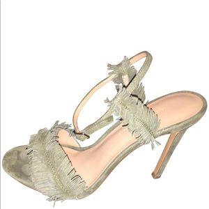Beautiful never worn olive banana republic heels